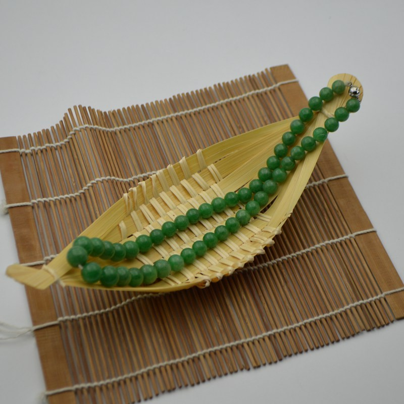 冰糯种阳绿翡翠珠串