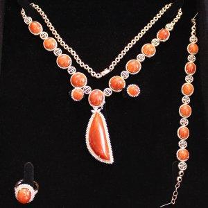 红翡套装(晚妆套链)