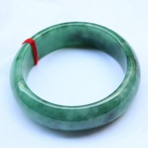 缅甸天然A货翡翠 豆绿手镯