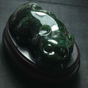 缅甸天然A货翡翠 墨绿兽