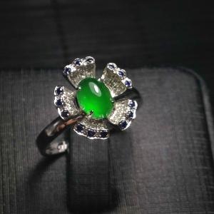 缅甸天然A货翡翠 镶嵌18K白金 满绿花朵戒指